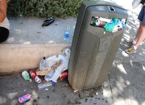 Vecinos y trabajadores se movilizan por los recortes en limpieza