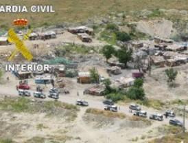 Tres detenidos en 'El Gallinero' por robar cobre, ordenadores y dos furgonetas