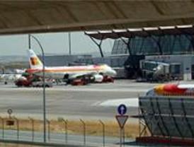 Un avión de carga sufre un accidente al aterrizar en el aeropuerto de Barajas