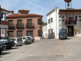 Los vecinos de Los Santos de la Humosa podrían quedarse sin fiestas