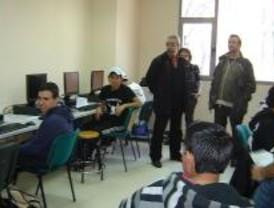 IU propone crear centros de formación laboral integral en todos los distritos