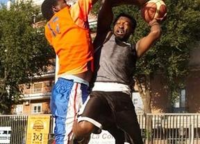 Lavapiés acoge la quinta edición de su torneo de basket callejero