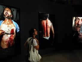 Isabel Muñoz retrata en fotografías el amor y el éxtasis