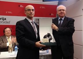 RTVE, la Guardia Civil de Estremera y Santiago Nogaledo, premiados por su labor a la infancia