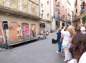Nueva protesta artística para reclamar la apertura del Albéniz