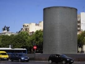 La contaminación deteriora el monumento a las víctimas del 11-M