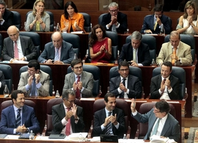 Parte del grupo popular durante el último debate del estado de la región antes de las elecciones.