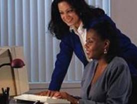 El Gobierno dobla el presupuesto para potenciar el liderazgo femenino en el trabajo