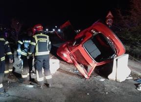 Bomberos en el momento del accidente