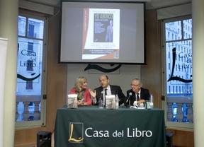 'Yo abdico' celebra la venta de su segunda edición con una firma de libros
