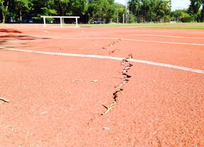UGT denuncia el mal estado de la pista de atletismo de Orcasitas