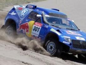 Carlos Sainz gana la última etapa del Rally Dakar y queda tercero de la general