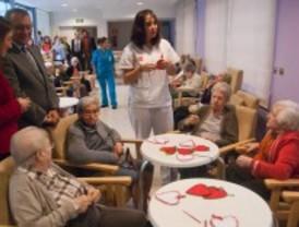 Madrid incrementa los recursos a RMI y garantiza la atención a dependientes