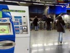 Detenidos cinco rumanos por robo en las máquinas expendedoras de metro