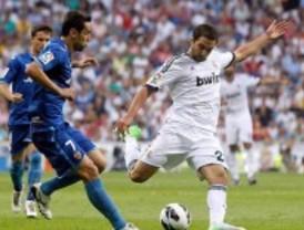 Alves evita la primera victoria blanca