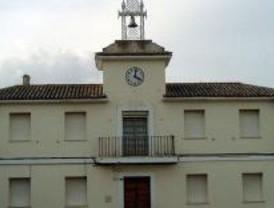 Granados explica la continuidad del alcalde de Villalbilla