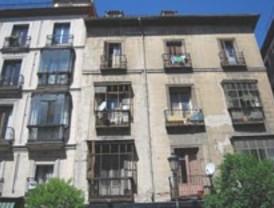 Robaban pisos tras escalar las fachadas