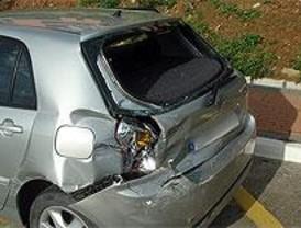 Detenidos dos hombres acusados de perpetrar siete atracos con coches robados