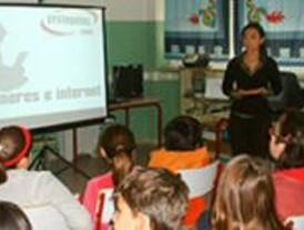 Profesores y alumnos de Pozuelo de Alarcón aprenden el uso seguro de internet