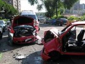 Herida muy grave una joven de 21 años tras sufrir un accidente de tráfico en el barrio de la Estrella