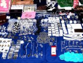 Desmantelada una tienda virtual de falsificaciones con más de 800 artículos