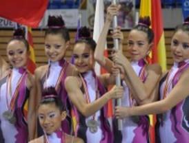 El equipo alevín del Club Rítmica Pozuelo, subcampeonas de España