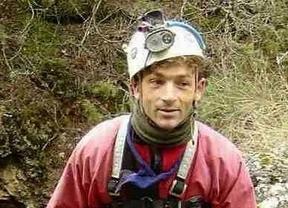 Rescatan al espeleólogo madrileño tras doce días atrapado en una cueva de Perú