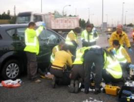 Un motorista, crítico tras un accidente en la M-14