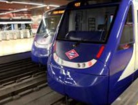 El frío y la lentitud de un tren cortan dos líneas del metro