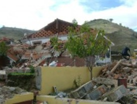 Derriban tres viviendas levantadas 'ilegalmente' en San Fernando de Henares