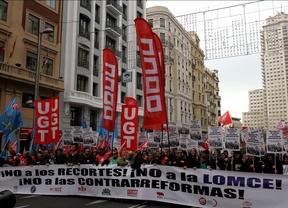 Miles de personas claman contra la LOMCE y piden el cese de Wert