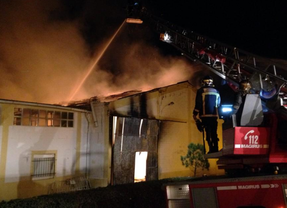 Registrado un fuerte incendio en una nave industrial en Aranjuez