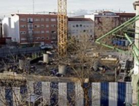 Desalojados en Vallecas para construir una central termoeléctrica se querellan contra Gallardón