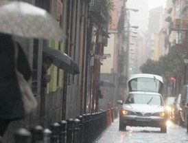 Lluvia, huelga, tráfico: Madrid, un caos