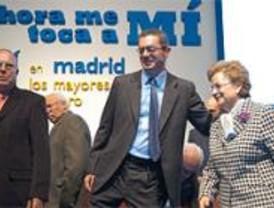 Gallardón promete construir 26 centros municipales de mayores y 41 centros de día