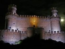 El Castillo de Manzanares El Real estrena iluminación
