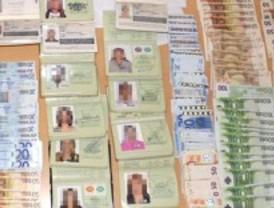 Ocho detenidos por falsificar pasaportes a prostitutas brasileñas sin papeles