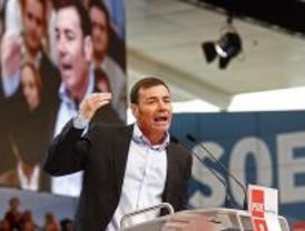Gómez pide a Rajoy echar a los diputados