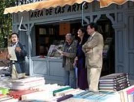 Un libro por un euro en la Cuesta del Moyano