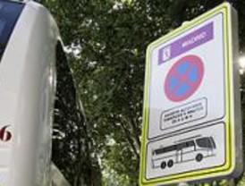El Ayuntamiento regula las paradas y el aparcamiento de los autocares turísticos