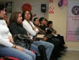 Cruz Roja promueve un encuentro de mujeres peruanas de Madrid