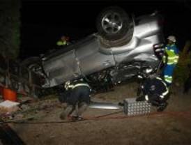 Grave tras empotrar su coche contra un chalé