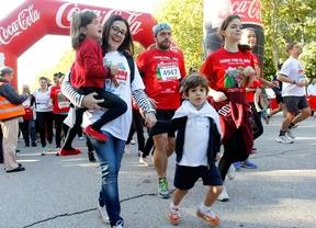 Miles de personas corren en el Retiro para reunir fondos para la investigación médica