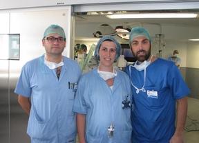 El equipo que ha llevado a cabo la braquiterapia intraoperatoria para el tratamiento radioterápico del cáncer de mama