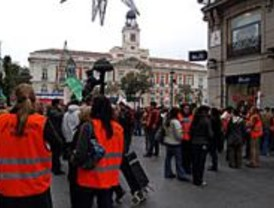 Empleados de Air Madrid se concentran para pedir soluciones al Gobierno