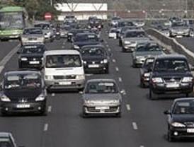 Tráfico lento en la M-40 y accesos a la capital