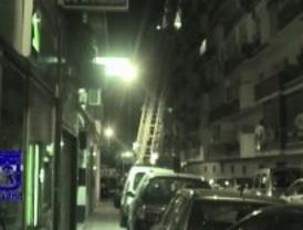 Hallan un cadáver carbonizado en el interior de una vivienda en Ciudad Lineal
