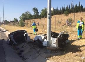 Fallecen dos mujeres tras impactar su vehículo con una farola en la M-506