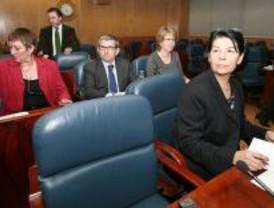 La comisión de los espías se cierra bajo la amenaza de la oposición de ir a los tribunales
