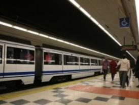 Los autobuses urbanos y el metro pierden viajeros